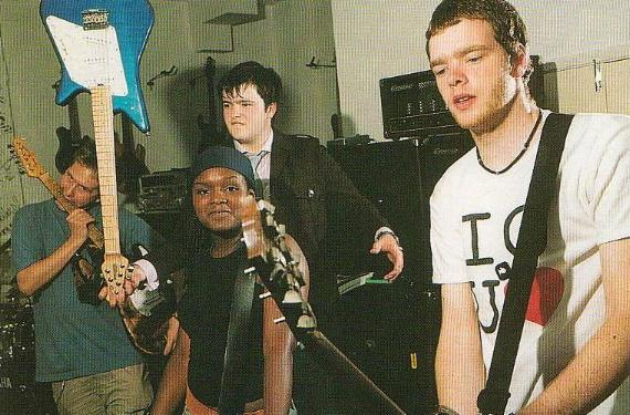 Electric Soft Parade Go Back To College October 2002 (Q Mag)